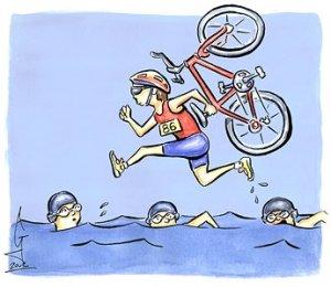 Varier treningen som med triathlon. Her der du kombinasjonen svømming, sykling og løping.