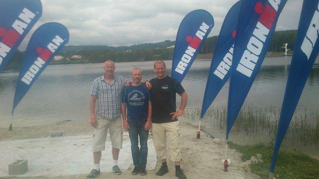 Øyvind, Fredrik og jeg inspiserer svømmestarten.