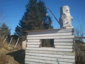 Kristian sin hytte under bygging.