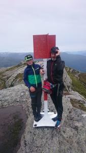 Med sønnen min Kristian på toppen av Torefjell