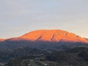 Torefjell slik jeg ser fjellet fra min campingvogn.